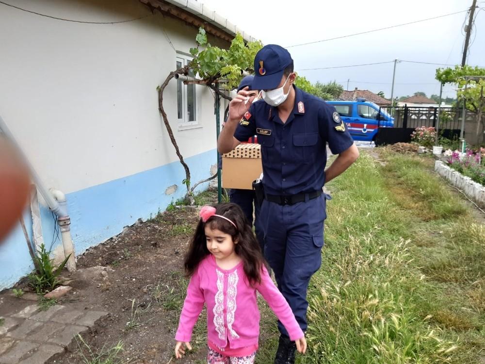 Jandarma sireninden korkan Elif'e büyük sürpriz