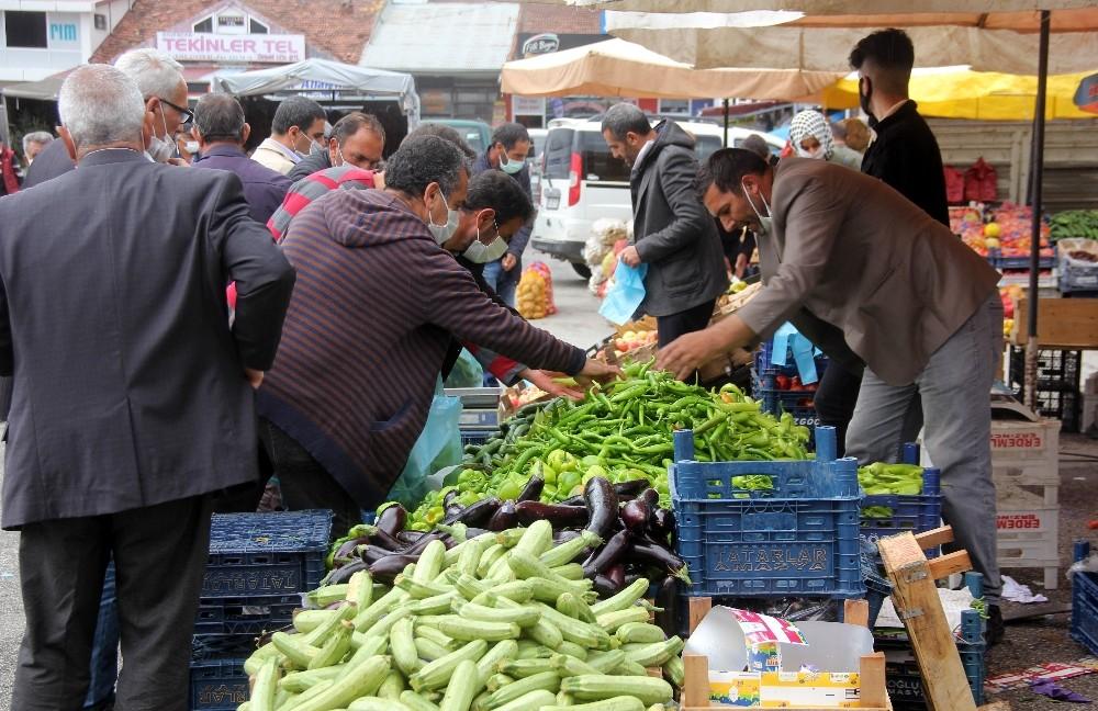 """Türkiye'de 12 aylık ortalamalara göre en yüksek fiyat artışı """"Bayburt, Erzincan, Erzurum"""" bölgesinde gerçekleşti"""