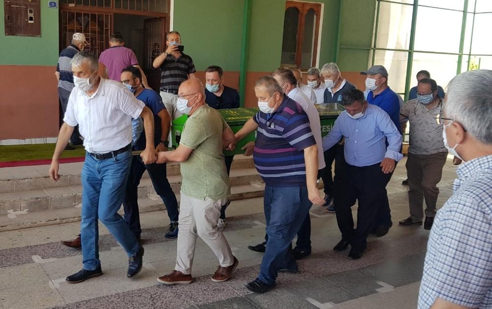 Gazeteci Akça'nın kayınvalidesi son yolculuğuna uğurlandı