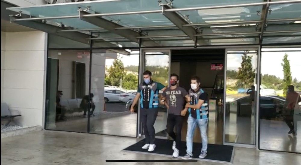 Özel İstanbul'un altını üstüne getiren motosikletli maganda yakalandı