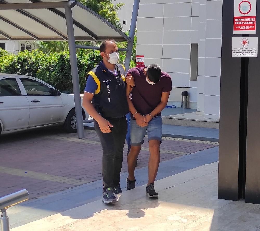 Çaldığı motosikletle papağan hırsızlığı yapan şüpheli yakalandı - Antalya  Haberleri