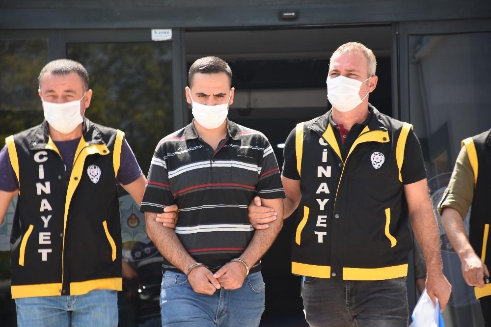 Bursa'da sokak ortasında işlenen kan davası cinayetinin zanlısı adliyede