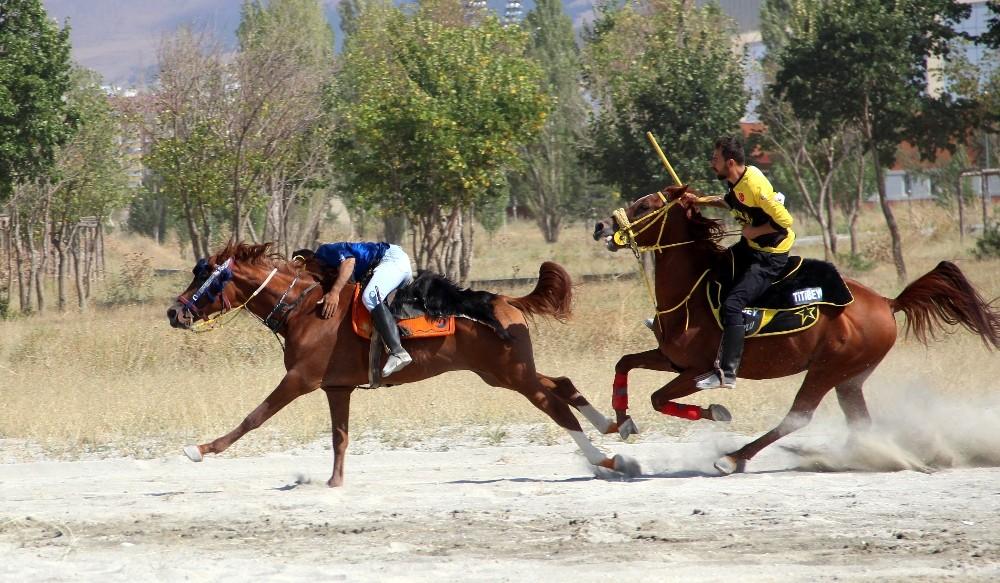 Erzurum'da Kanuni Kupası Cirit Müsabakası düzenlendi - Erzurum Haberleri