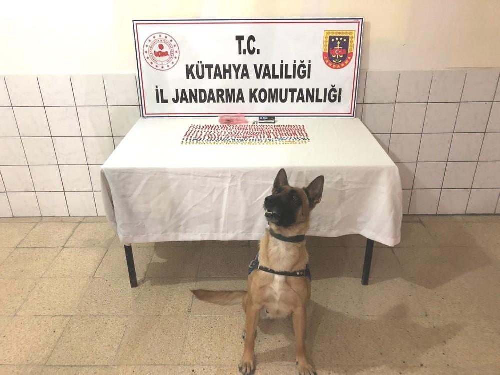 Kütahya'da uyuşturucu operasyonu: 3 gözaltı