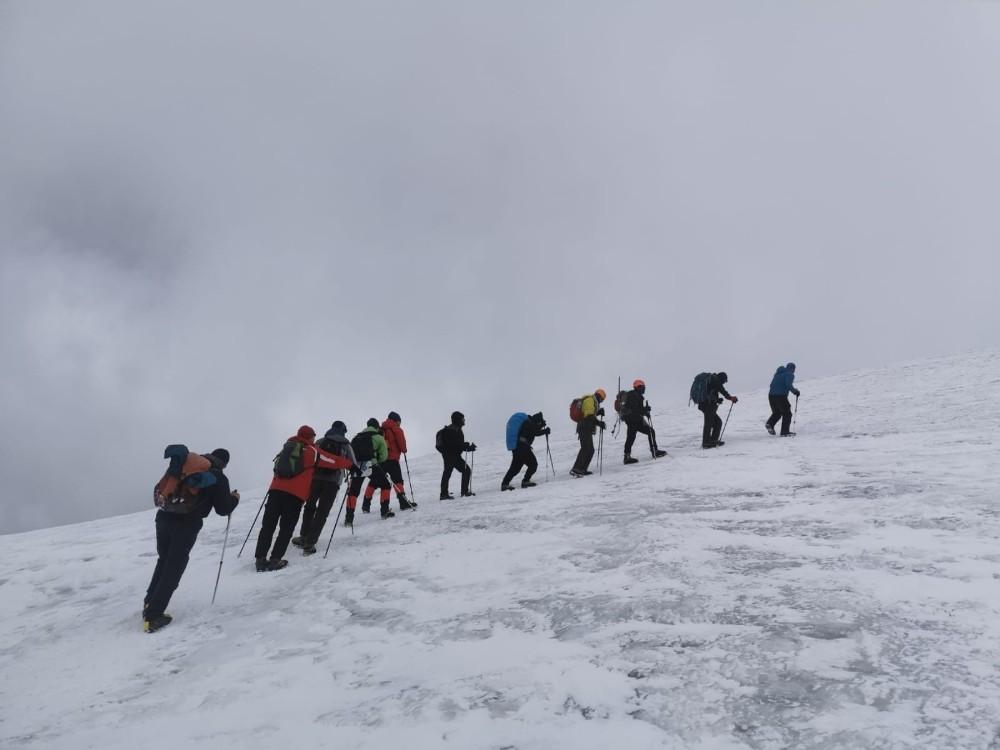 Tuncelili dağcılar, Ağrı Dağı'na tırmanış gerçekleştirdi
