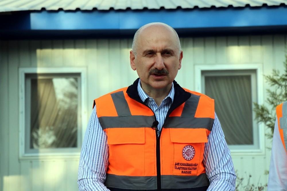 Bakan Karaismailoğlu, Kuzey Marmara Otoyolu'nun son kesiminde incelemelerde bulundu