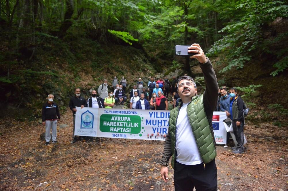 Bursalı muhtarlar Uludağ'ın eteklerinde yürüdü