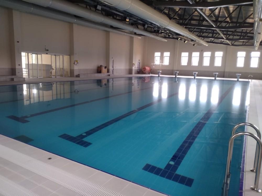 Selendi'de yarı olimpik yüzme havuzunda sona gelindi