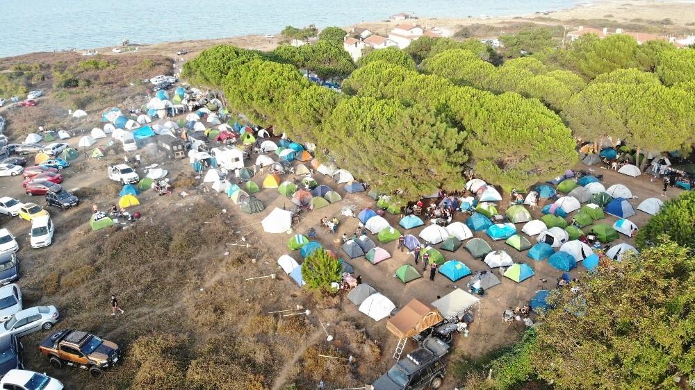 Özel Şile'de kamp yapan gençlerin festivali pes dedirtti