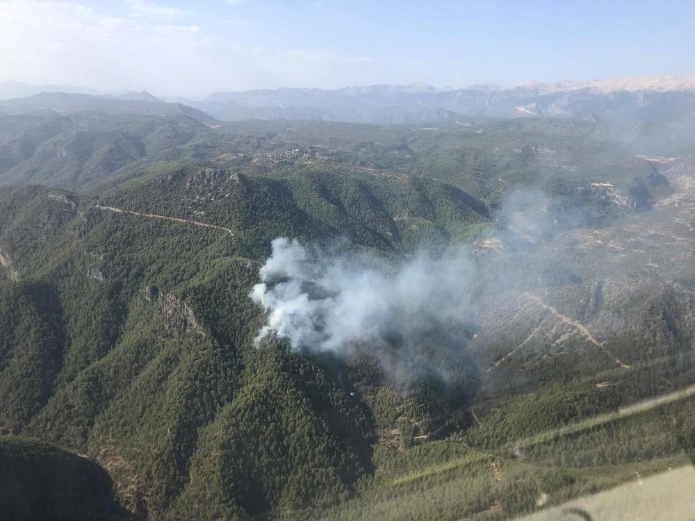 Antalya'daki yangında 10 hektarlık orman yandı