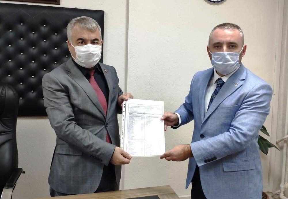 AK parti Kütahya Merkez İlçe Başkan Fatih Oruç, mazbatasını aldı
