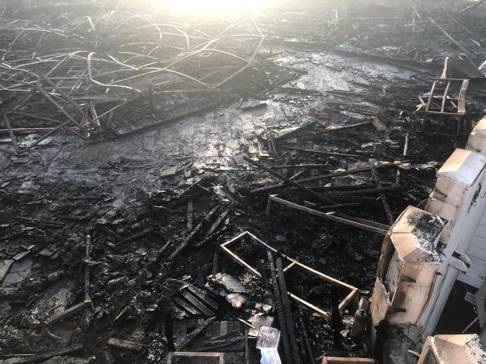 Estergon Kalesi'ndeki restoranda çıkan yangında geriye küller kaldı