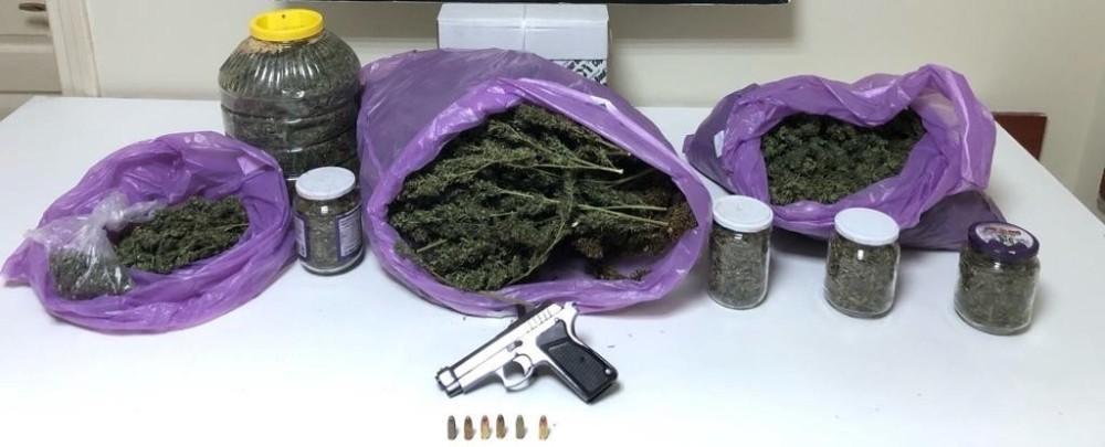 Sakarya'da 3 kilo 406 gram esrar ele geçirildi