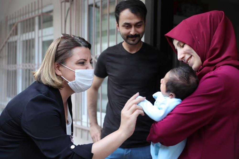 Gülümse Bebek projesi aileleri sevindiriyor