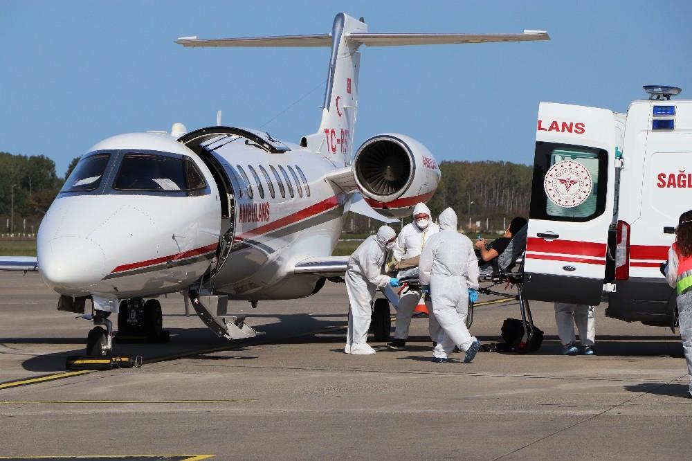 Ülkesinde koronaya yakalanan Afgan doktor ambulans uçakla Samsun'a getirildi