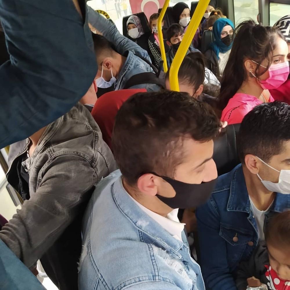 Arnavutköy'de minibüste şoke eden görüntü