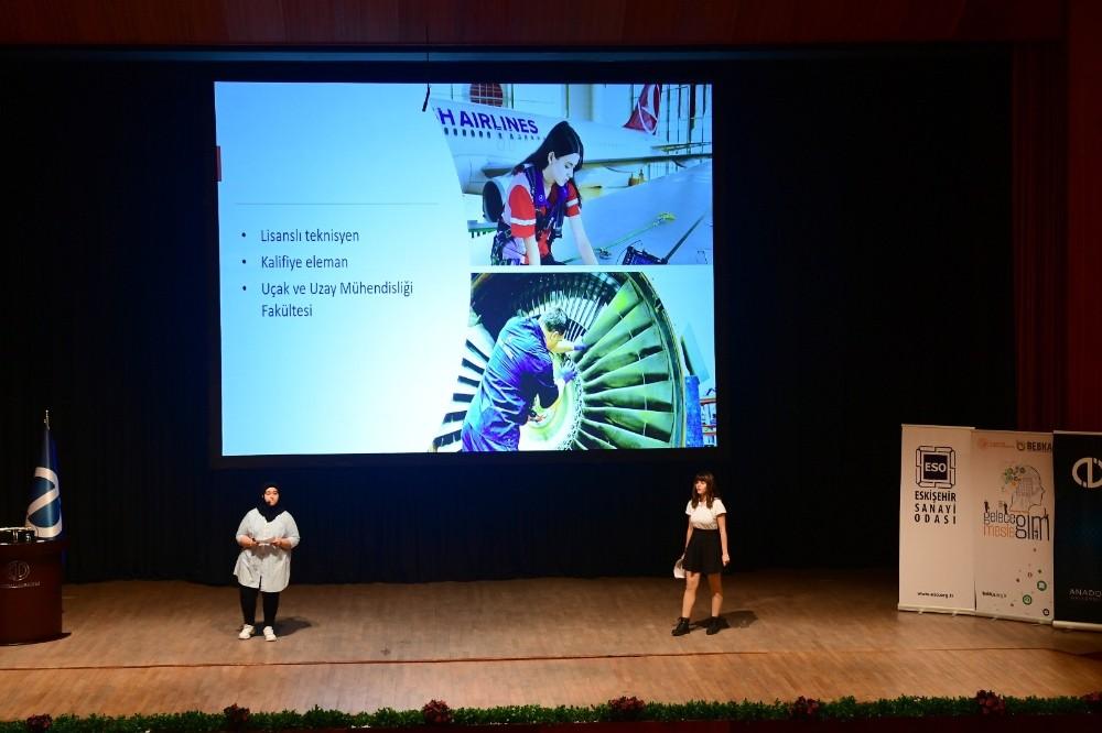 """""""Etkili Sunum Teknikleri"""" yarışması finali Anadolu Üniversitesi ev sahipliğinde gerçekleştirildi"""