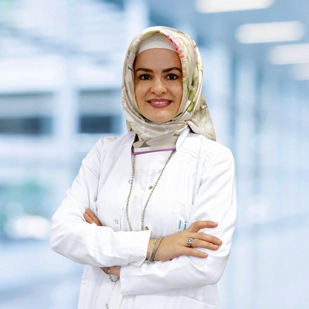 """Opr. Dr. Şeyma Yöney: """"Menopozu sağlıklı geçirmek için egzersiz şart"""""""
