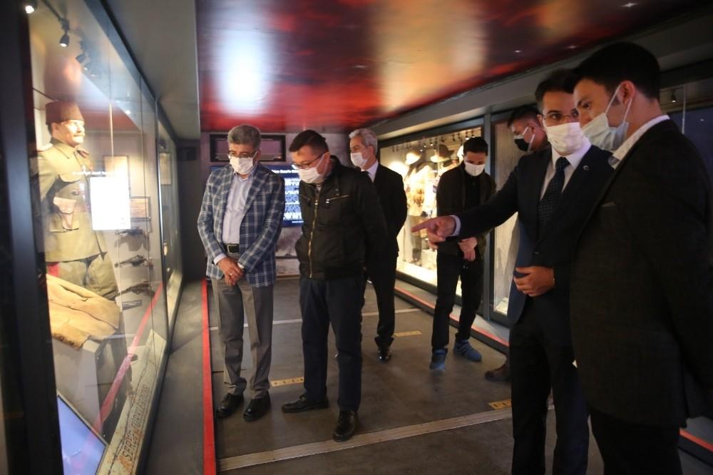 Çanakkale Savaşları Mobil Müzesi Van'da