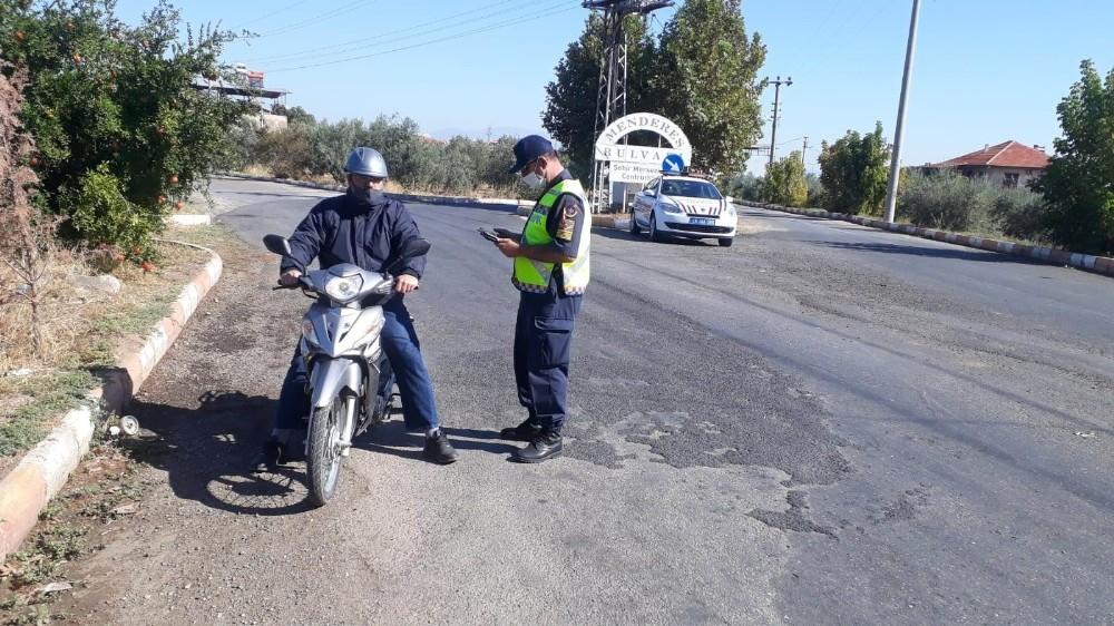 Manisa'da motosikletlere ceza yağdı