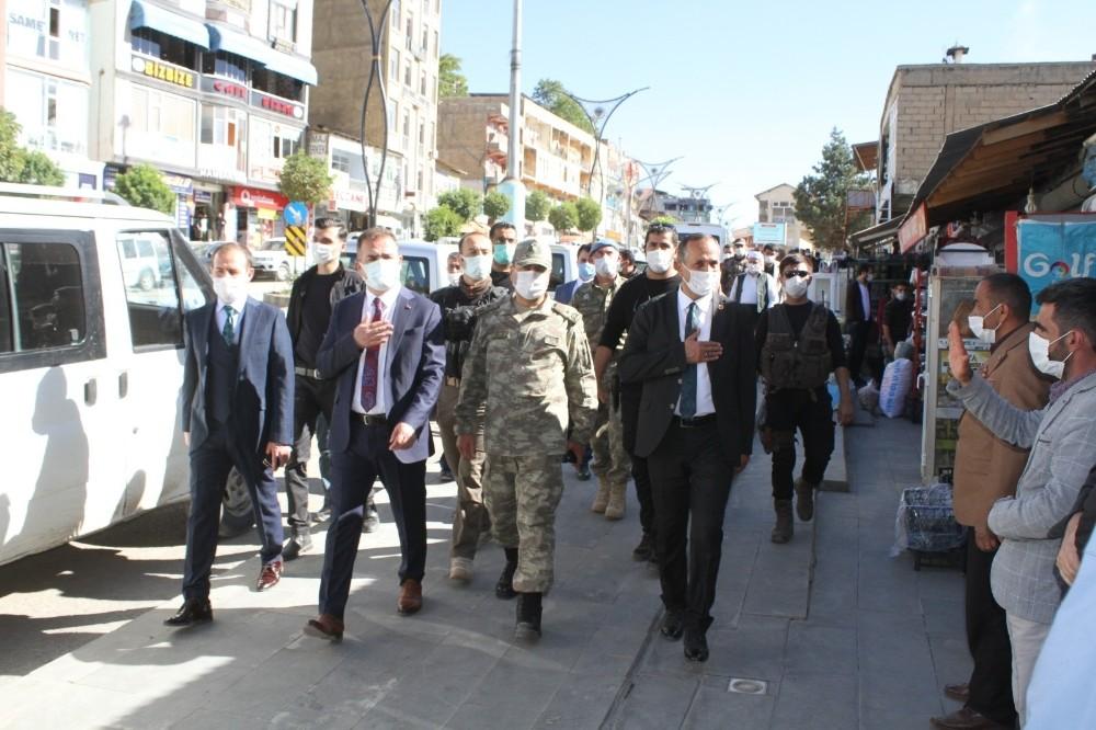Vali Akbıyık'tan Şemdinli'ye ziyaret