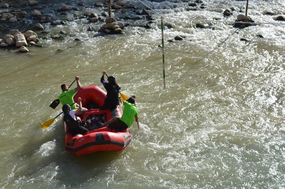 Çukurca rafting takımı Türkiye şampiyonasına hazır