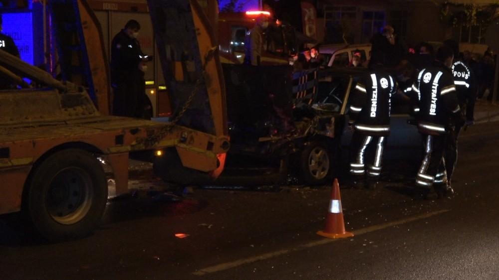 Otomobil iş makinesi yüklü tıra çarptı: 1 ölü, 1 ağır yaralı