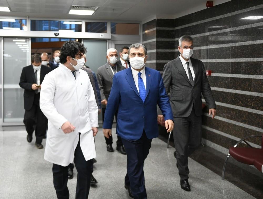 Sağlık Bakanı Koca'dan İstanbul'daki hastanelerde 'kapasite arttırma' toplantıları