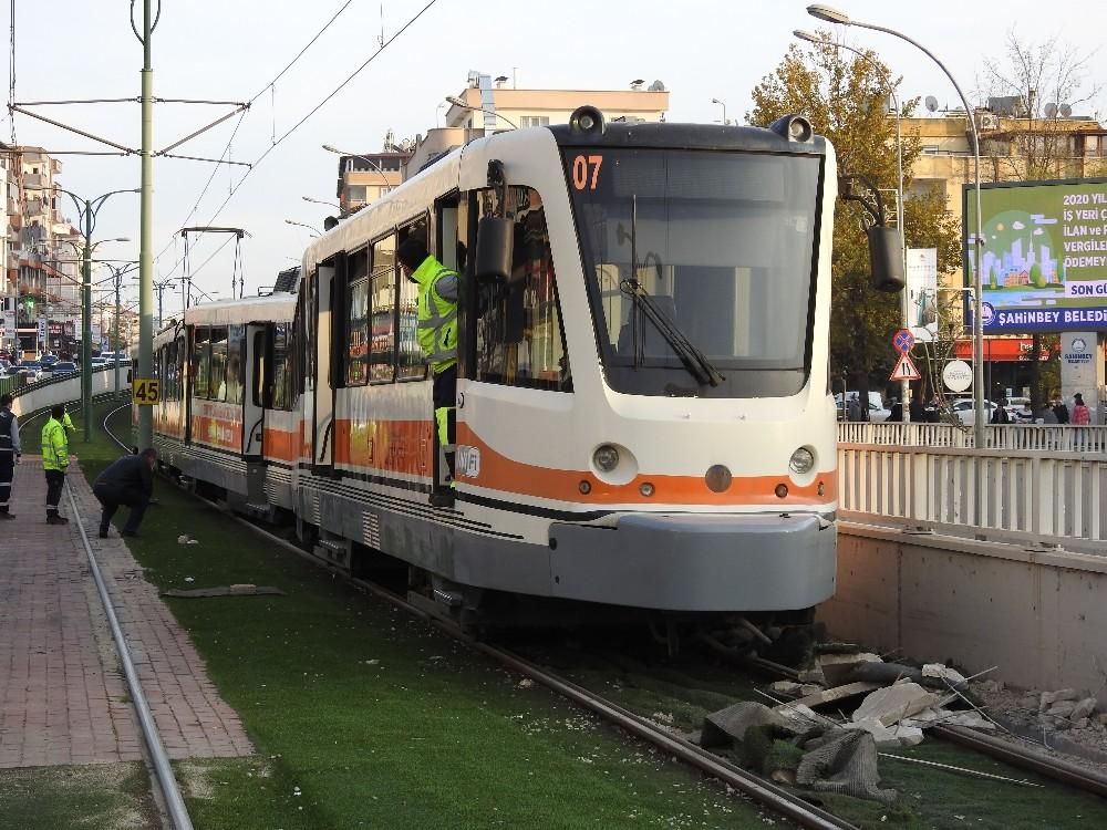 Gaziantep'te tramvay raydan çıktı - Gaziantep Haberleri