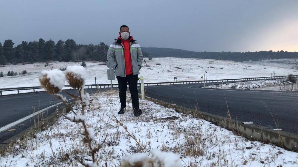 Sarıkamış'ta yoğun kar yağışı etrafı beyaza bürüdü - Kars Haberleri