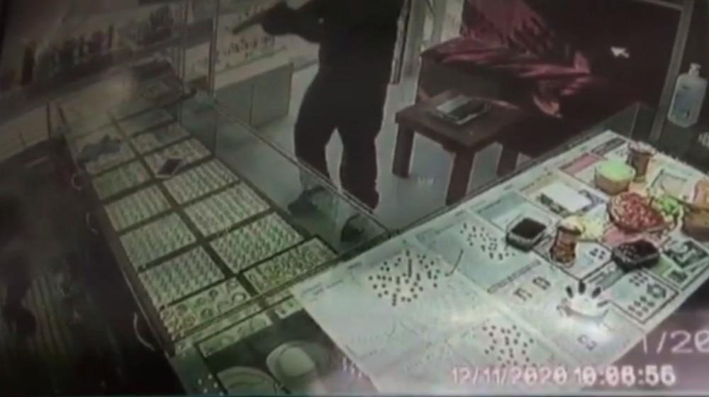 Kuyumcuyu vuran gözü dönmüş gaspçılar yakalandı