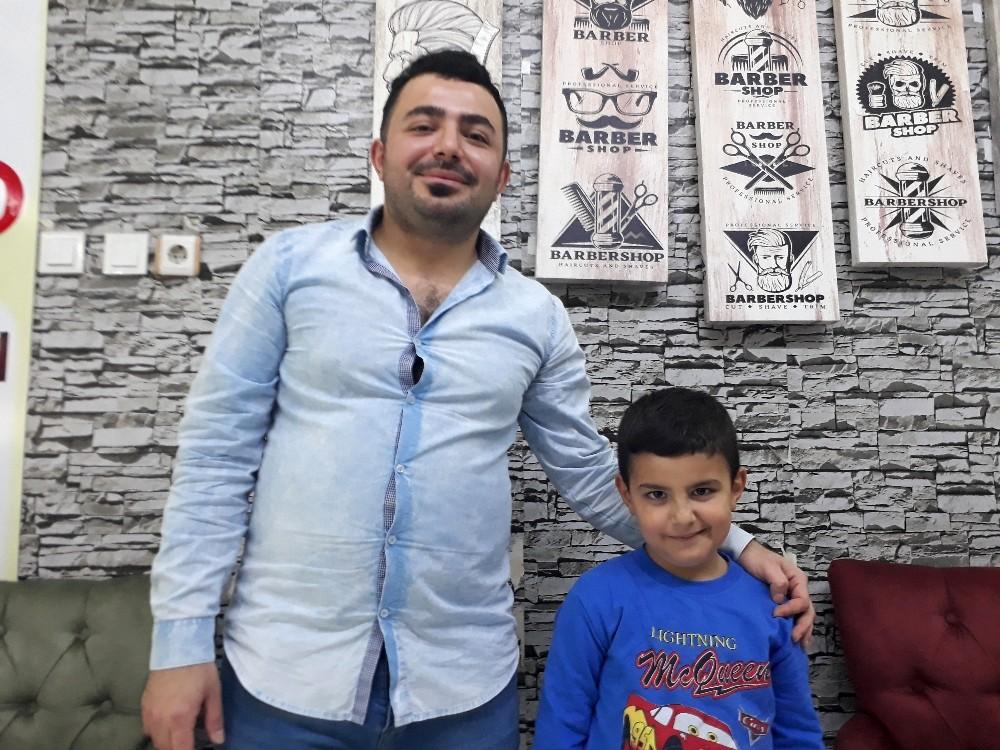 ÖZEL Kaldırımda motorcu dehşeti: 6 yaşındaki çocuk ezilmekten son anda kurtuldu