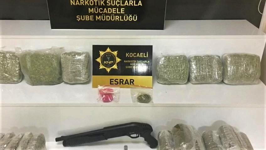 Kocaeli'de 12 kilo esrar ele geçirildi