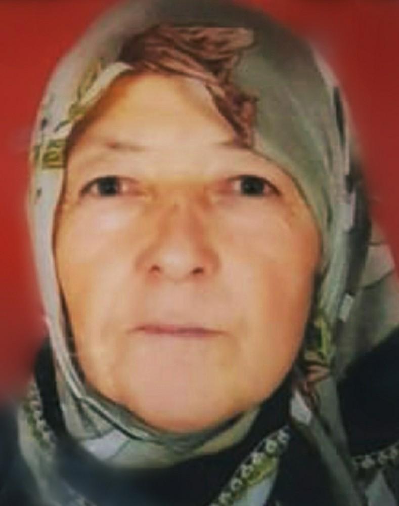 Yaşlı kadın iple asılı halde ölü bulundu