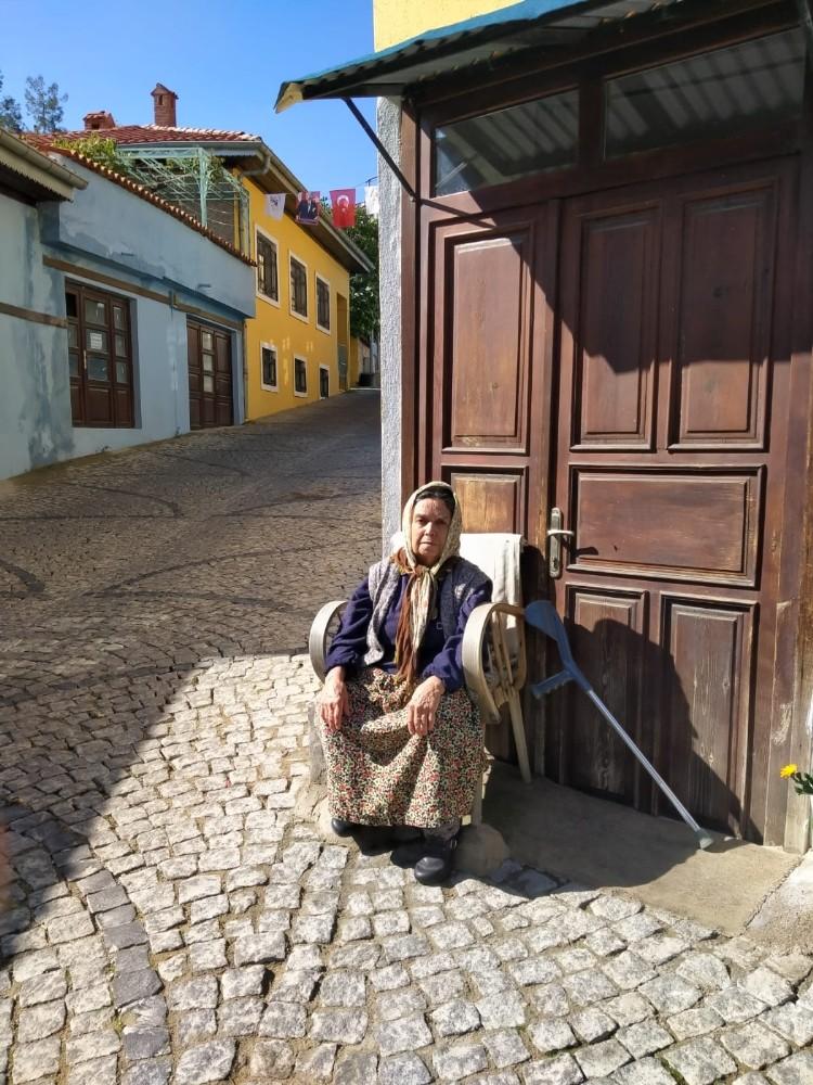 Vatandaşlar Denizli'de bu koltuğa oturmak için bekliyor