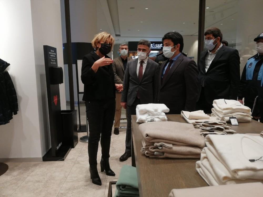 Üsküdar'da alışveriş merkezinde korona virüs denetimi