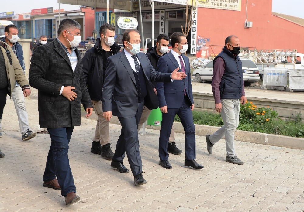 Vali Pehlivan, Cizre'de esnafla bir araya gelip Kırımızı Medresede incelemelerde bulundu