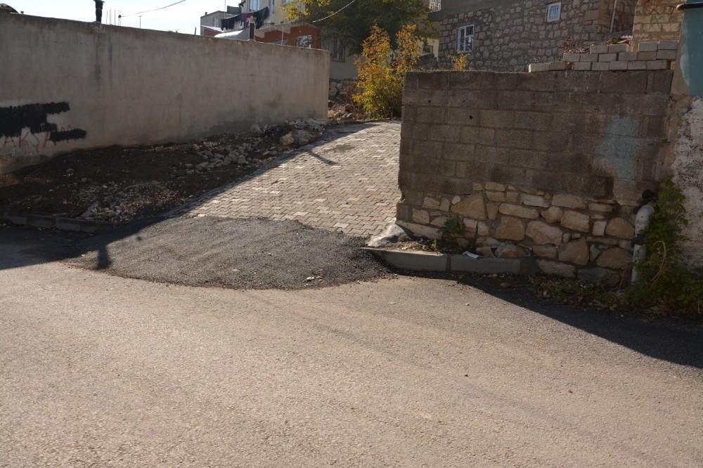 Ergani Belediyesi, engelli vatandaşlar için rampa yaptı