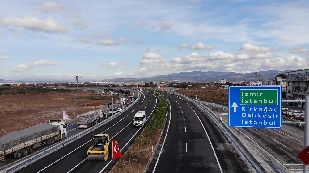 Akhisar çevre yolu Bakan Karaismailoğlu'nun katılımıyla yarın açılıyor