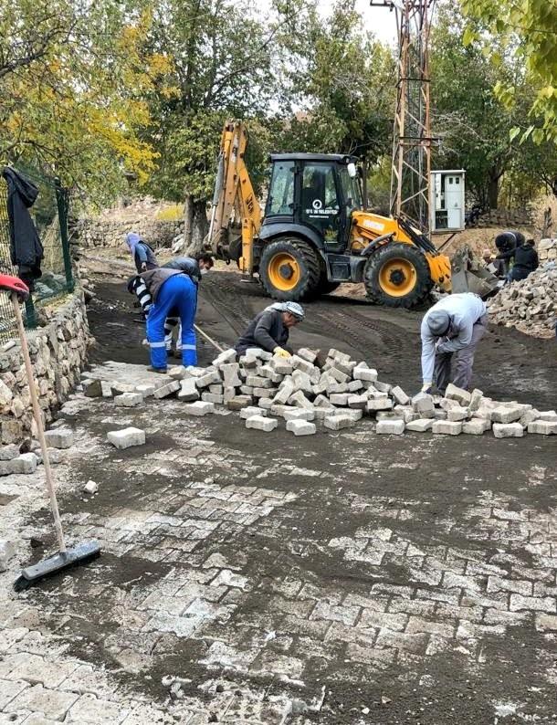 Ergani Belediyesi kısıtlamada da çalışmalarına aralıksız devam ediyor
