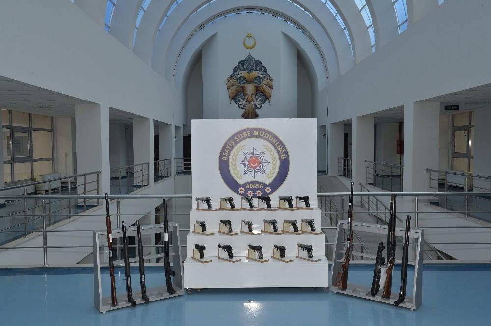 Adana'da 32 ruhsatsız silah ele geçirildi