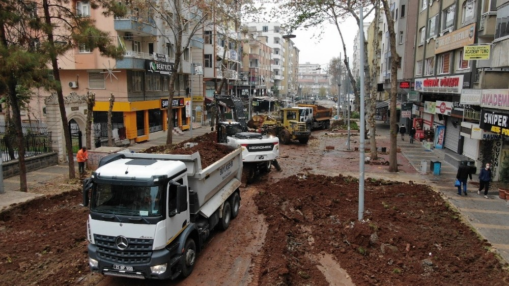 Esnaf istedi Diyarbakır Büyükşehir Belediyesi harekete geçti