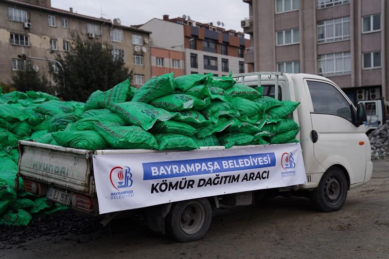 Bayrampaşa Belediyesi'nden 250 ton kömür yardımı