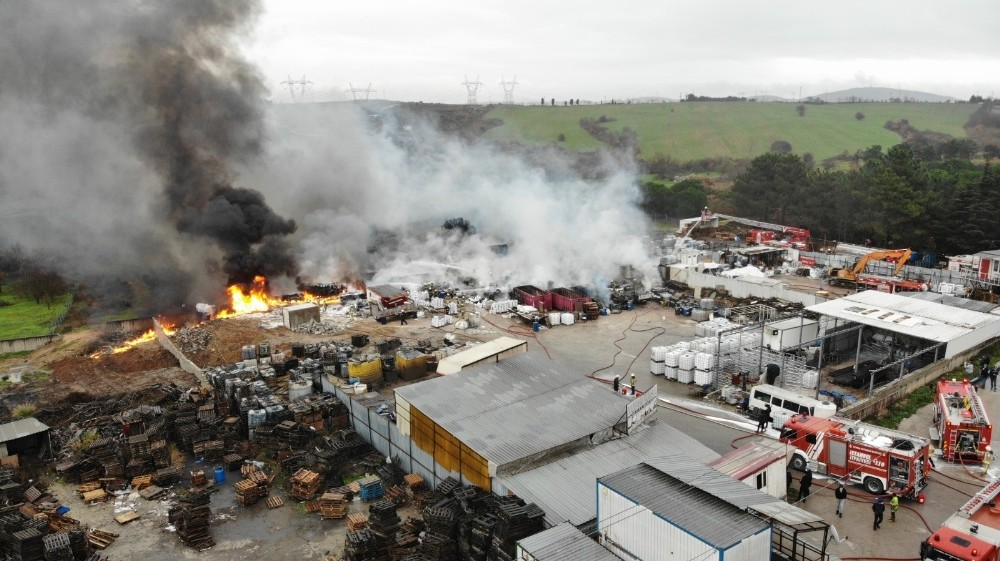 DroneTuzla'daki fabrika yangını havadan görüntülendi