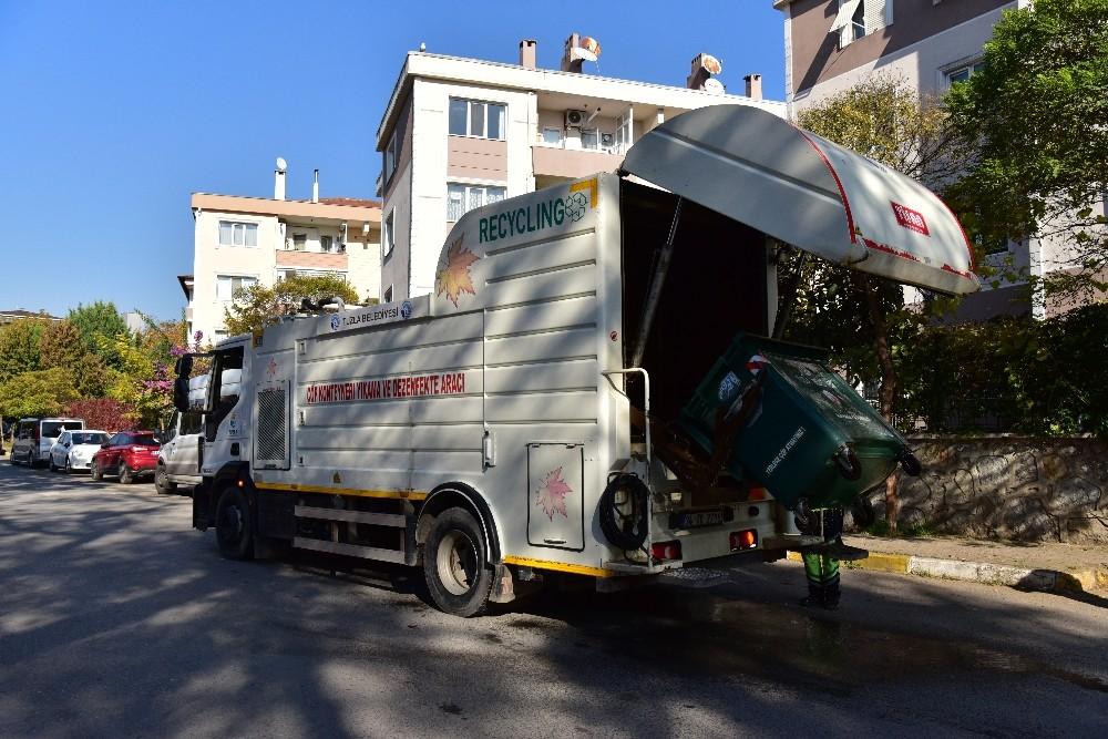 Tuzla'da 2020 yılında 945 kez ihtiyaç sahibi vatandaşların evleri temizlenerek dezenfekte edildi