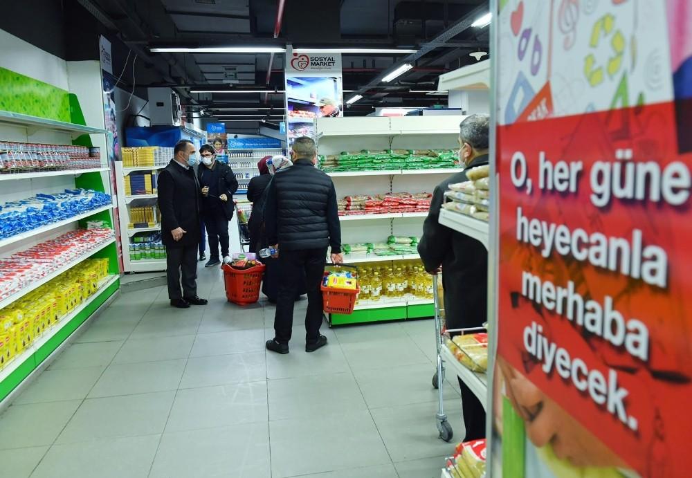 Beyoğlu'nda ihtiyaç sahiplerinin yüzü sosyal market ile gülüyor