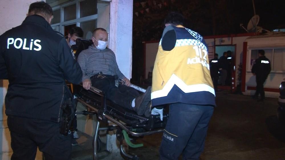Küçükçekmece'de bir otoparkın çay ocağına silahlı saldırı: 1 yaralı