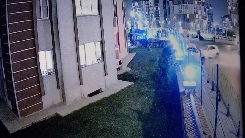 Özel Pendik'te bir kişinin yaralandığı kaza güvenlik kamerasında