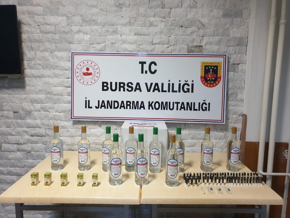 Bursa'da bir kişinin ölümü, bir kişinin de zehirlenmesiyle harekete geçen jandarma ekipleri bir kişiyi gözaltına aldı
