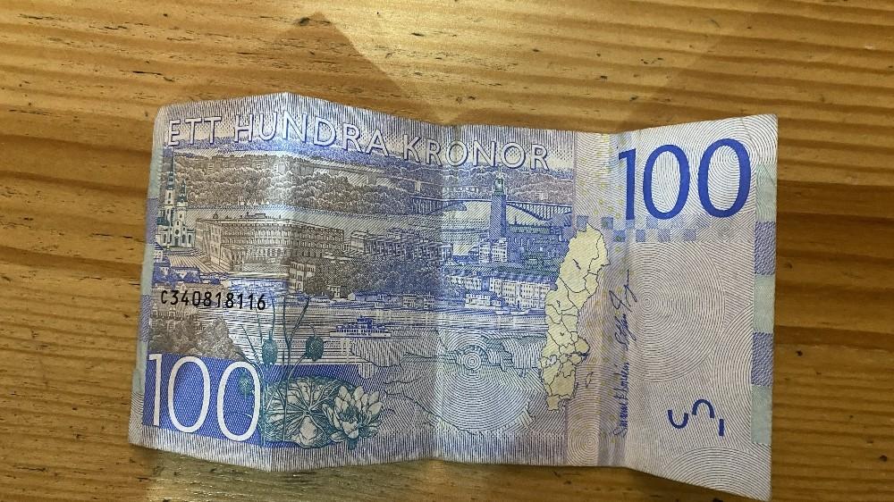 Özel Beyoğlu'nda İsveç kronu ile dolandırıcılık kamerada